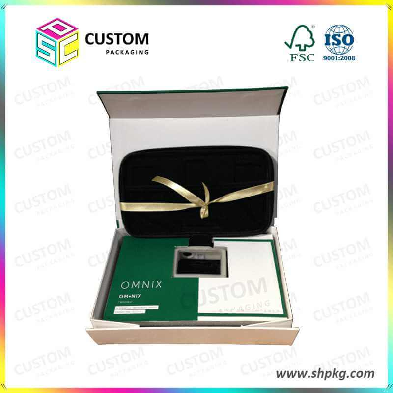 Magnet Closure Gift Box with Paper Foam Insert